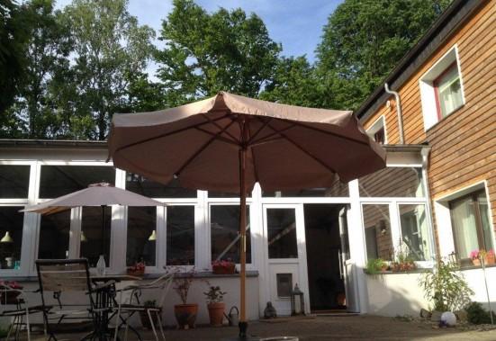 Essen Muelheim Styrum Parkplatz und Terrasse