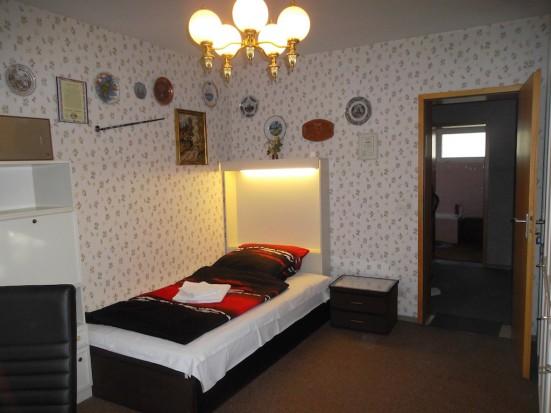 Frankfurt Hausen Guenstige Gaestezimmer