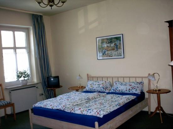 Mainz Oberstadt geraeumiges Doppelzimmer