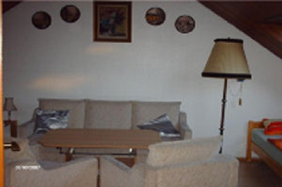 Wiesbaden Dotzheim nettes Dachgeschoss Zimmer