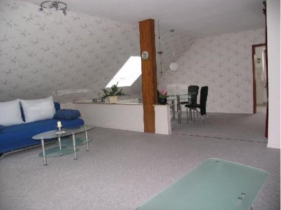 ferienwohnung in wiesbaden he loch. Black Bedroom Furniture Sets. Home Design Ideas