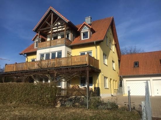 Wuerzburg Eibelstadt gehobene Ferienwohnung mit eigenem Balkon