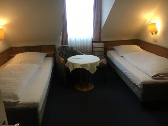 Wuerzburg Erlabrunn preiswertes Doppelzimmer